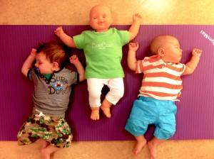 Babypop met vriendjes